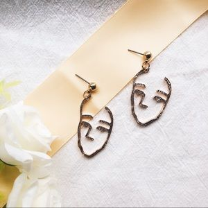 Jewelry - New 👏 Chic Abstract Human Face Earrings